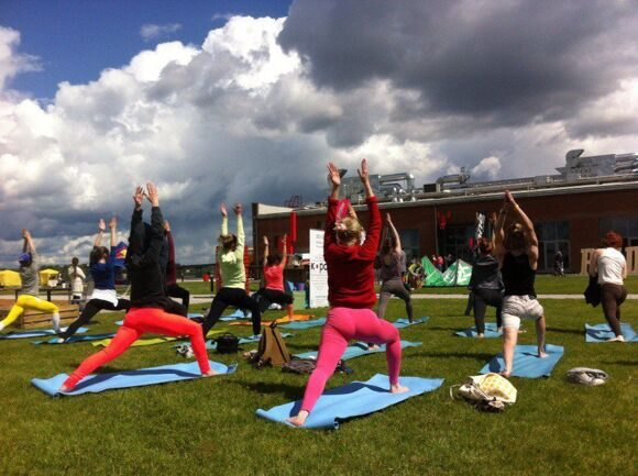 redfest_yoga_3